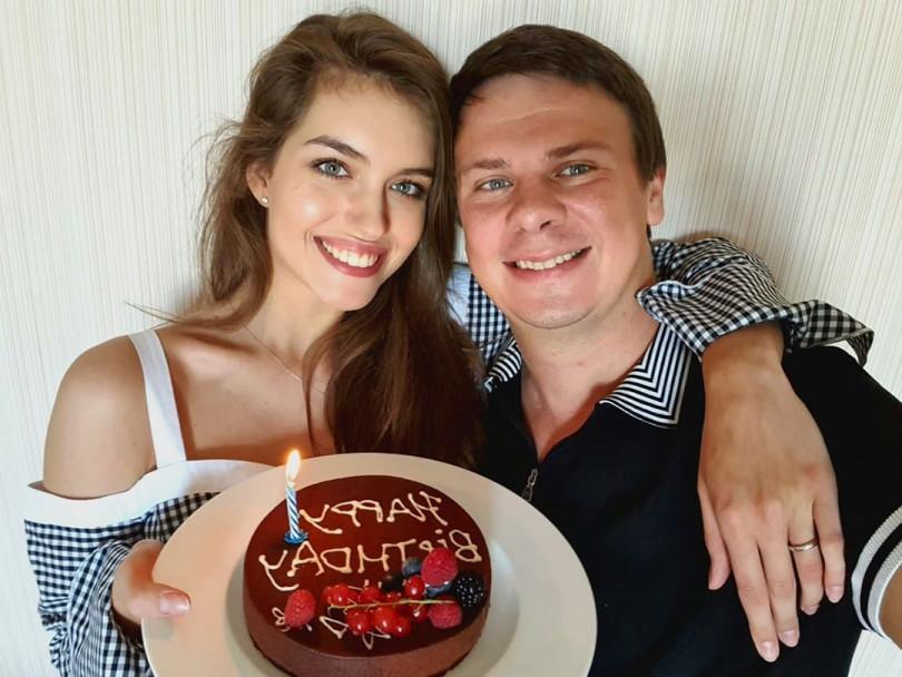 Дмитрий Комаров - биография, жена, свадьба, мир наизнанку