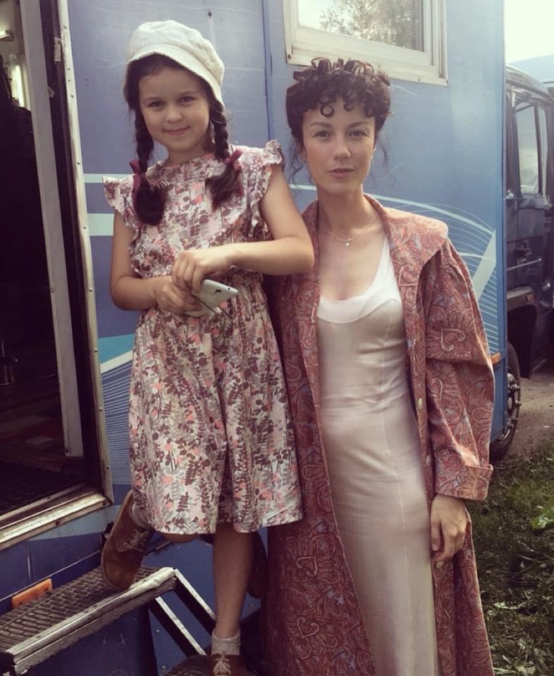 Виктория Богатырева с дочерью на съемках