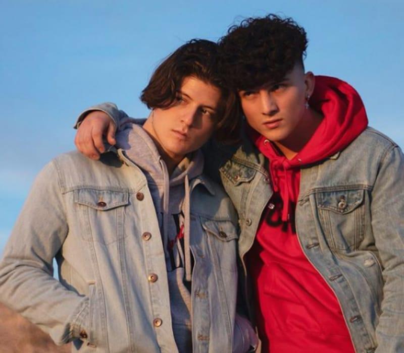Тони Лопез с братом