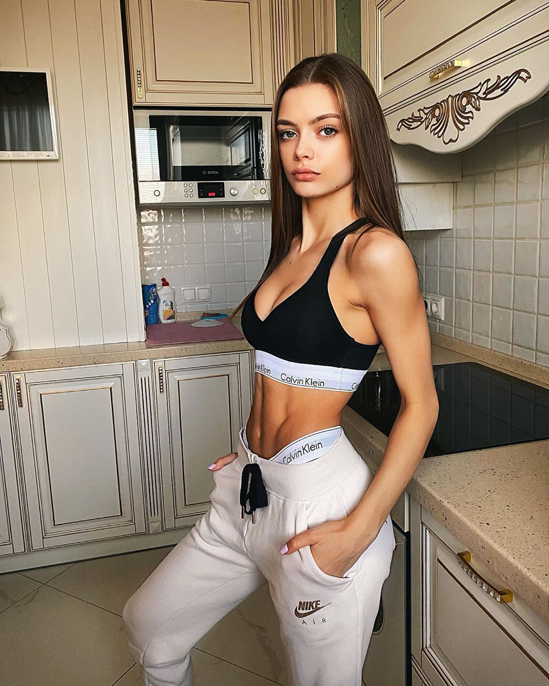Аня Ищук. Биография. Парень. Рост и вес