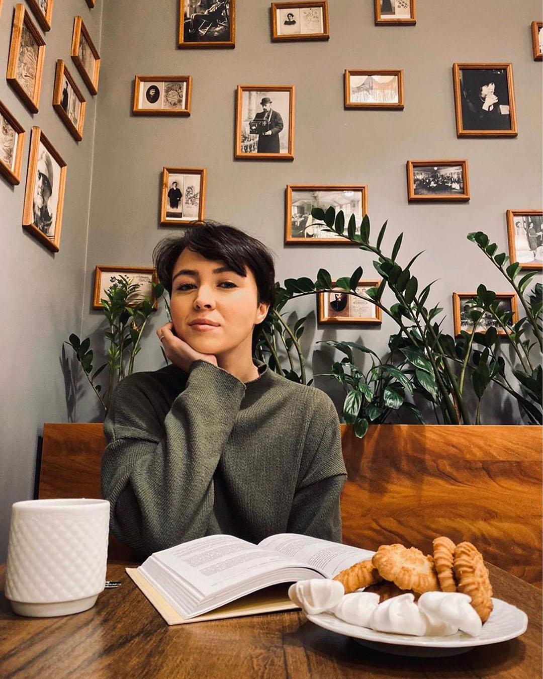 Диана Сабурова. Биография. Сколько лет, муж, дети, фото, инста