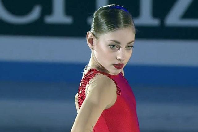 Алена Косторная на льду
