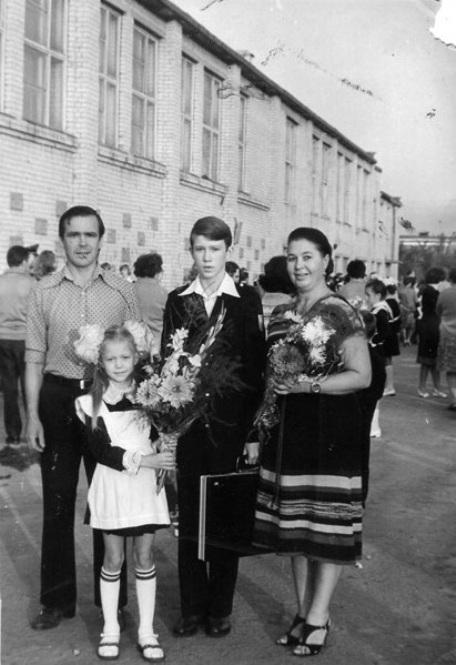 Евгений Миронов (актер). Биография, личная жизнь, и Сергей Астахов в Германии вступили в брак, есть ли жена и дети, фильмы с его участием, фото 2020