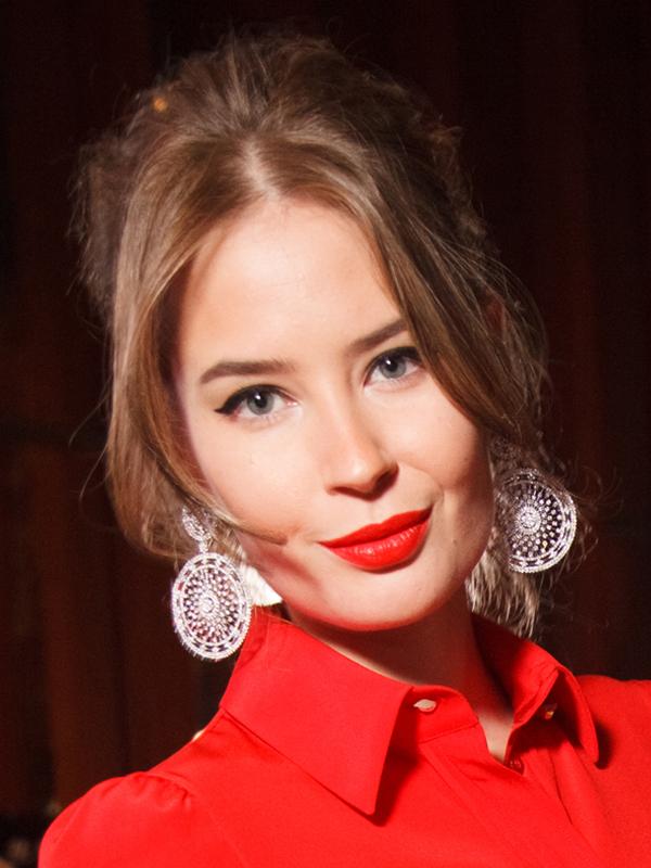 alena-gavrilova-model-biografiya-lichnaya-zhizn-rost-i-ves-i-ehmin-agalarov-svadba-zhdut-rebenka-foto-do-i-posle-plastiki-instagram-777
