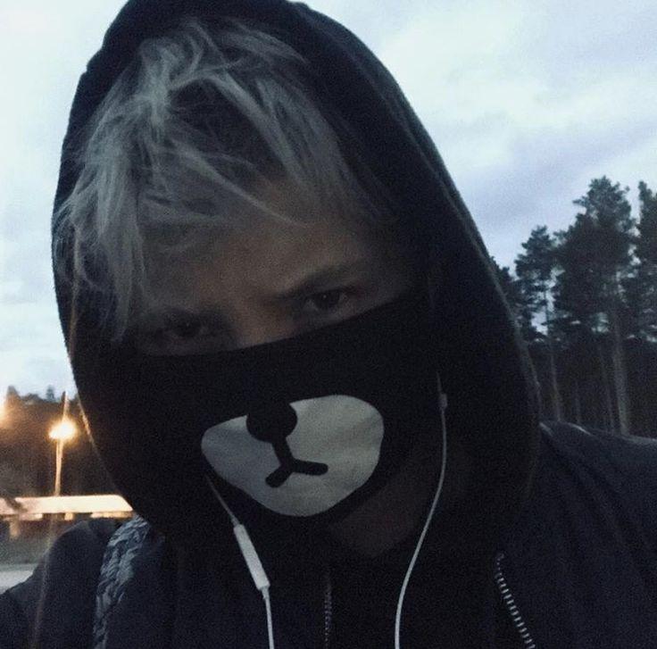 yan-bezdushnyj-biografiya-lichnaya-zhizn-foto-tik-tok-instagram-vk