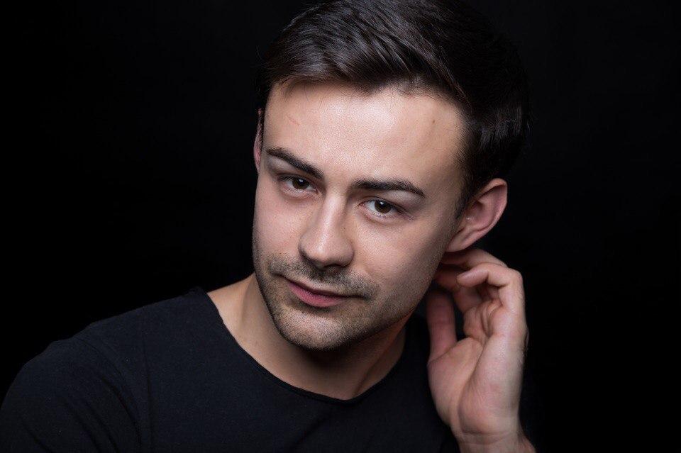 vladislav-nikityuk-akter-biografiya-lichnaya-zhizn-s-lesej-nikityuk-serialy-filmy-v-glavnoj-roli-foto-2020-socialnye-seti