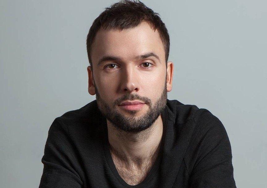 aleksandr-ptashenchuk-pevec-biografiya-lichnaya-zhizn-foto-s-zhenoj-semya-rost-pesni-iz-odnazhdy-v-rossii-goluboj-ili-net