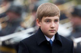 nikolaj-lukashenko-syn-prezidenta-biografiya-lichnaya-zhizn-syna-prezidenta-ukrainy-rost-vozrast-mat-igraet-na-fortepiano-foto-instagram