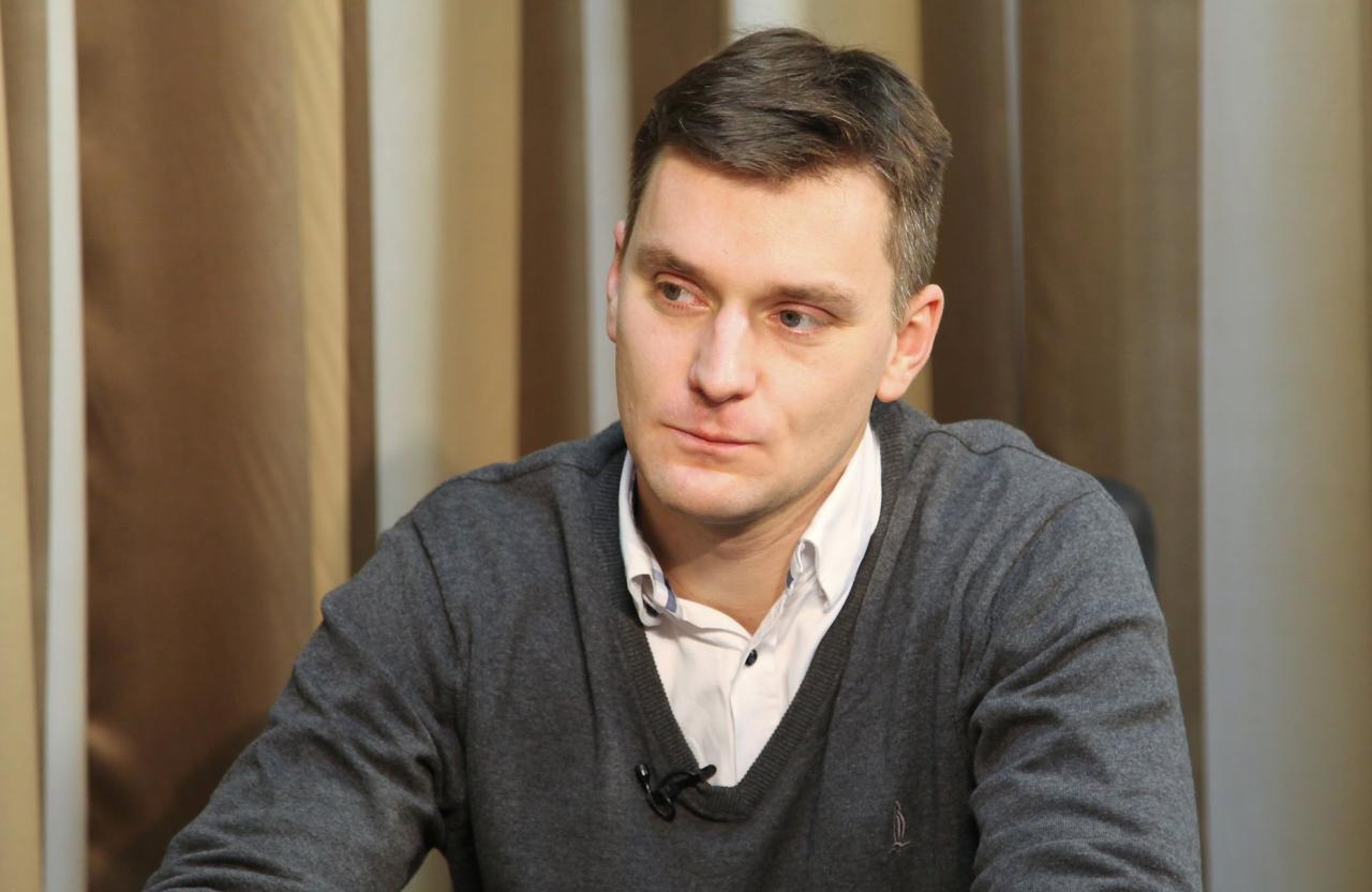 yakub-korejba-polskij-politolog-biografiya-lichnaya-zhizn-zhenilsya-russkaya-zhena-gruppa-v-kontakte
