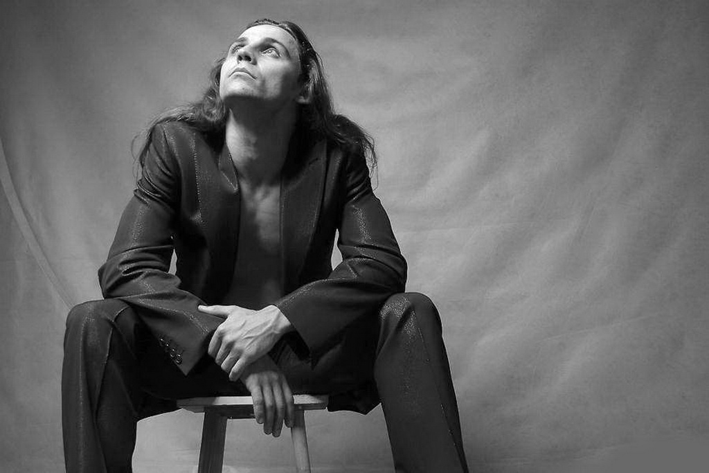 Дмитрий Бозин (актер). Биография, личная жизнь, стихи, фильмы, Инстаграм, жена, Википедия