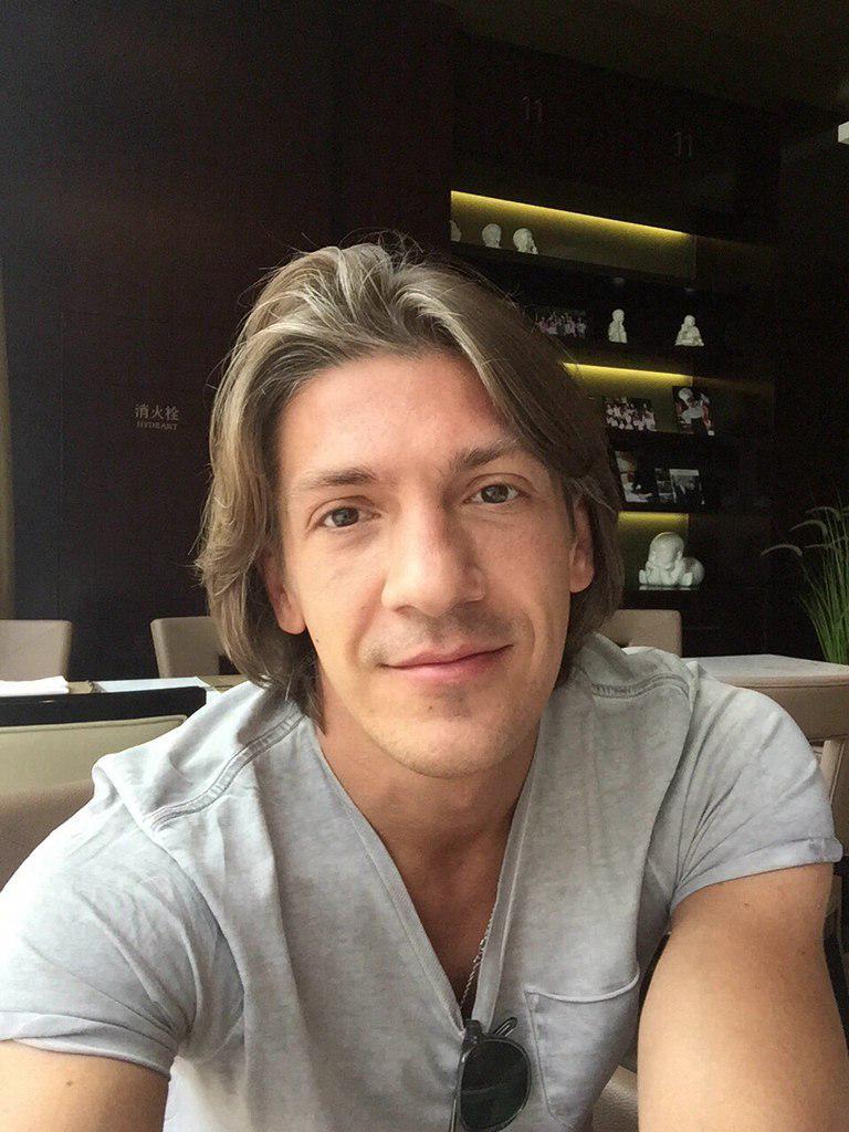 leonid-ovruckij-ispolnitel-biografiya-lichnaya-zhizn-i-ego-devushka-zhenilsya-pesni-intervyu-v-kontakte-instagram