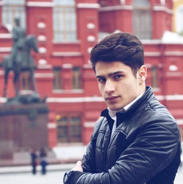 Лео Маликов (певец). Биография. Национальность, рост, песни